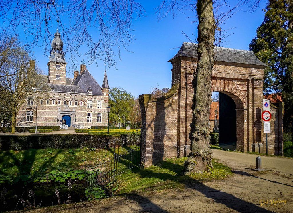 Kasteel toegangspoort - Stichting Vrienden Museum Kasteel Wijchen